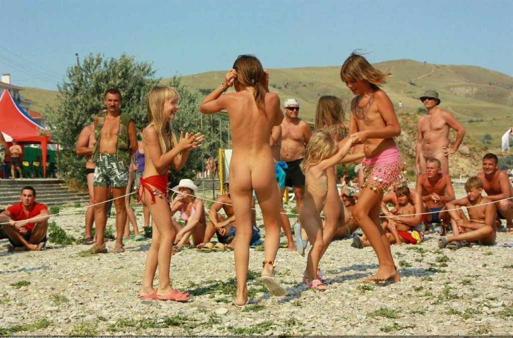 Purenudism pictures - life events of naturists
